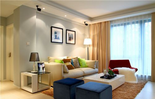彩色简约风格客厅吊顶欣赏