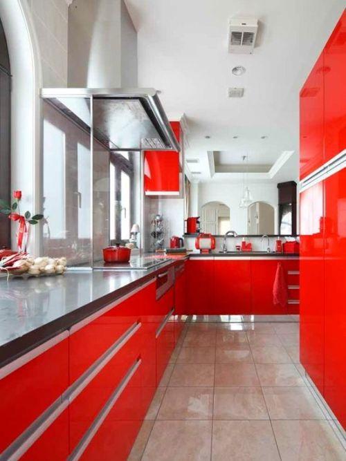 红色厨房装修效果图