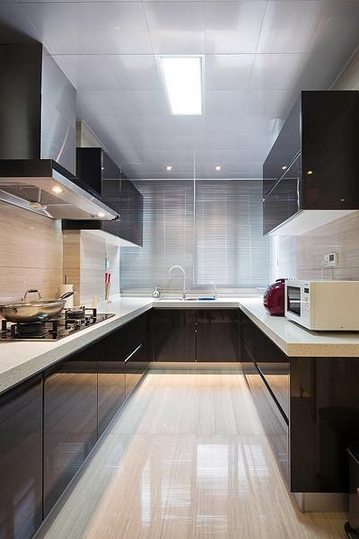 现代简约欧式厨房装修案例