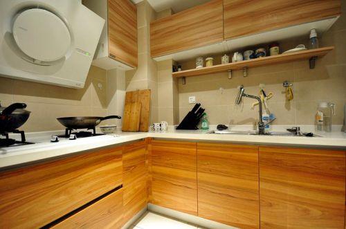 现代简约中式混搭厨房设计案例