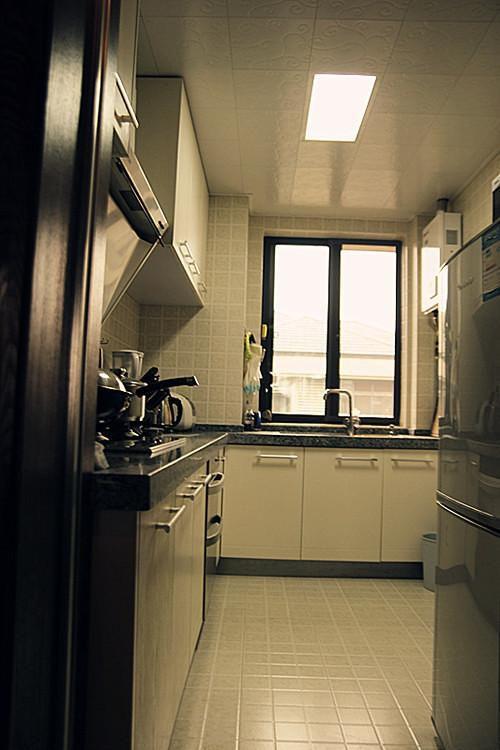 现代简约中式混搭复古厨房设计方案