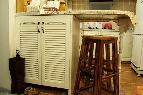 美式混搭厨房吧台设计图