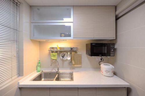 现代简约日式厨房装修案例