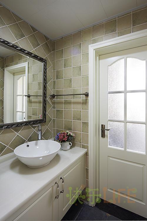 现代简约中式美式混搭卫生间案例展示
