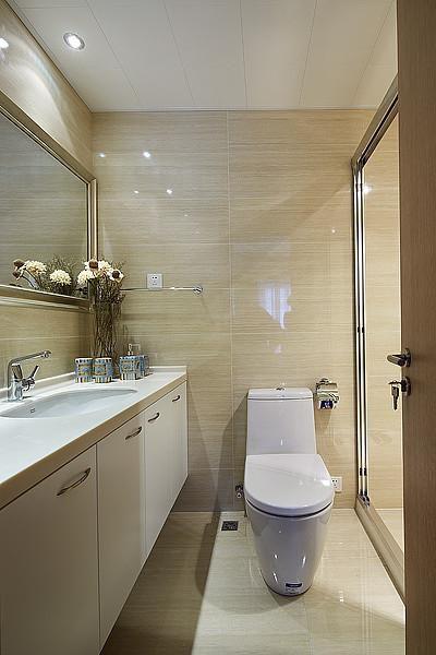 现代简约卫生间设计方案
