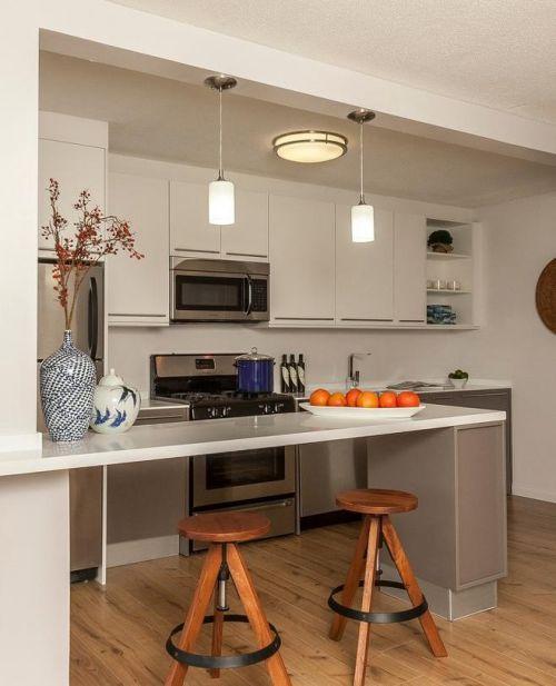 现代简约厨房吧台装修效果展示