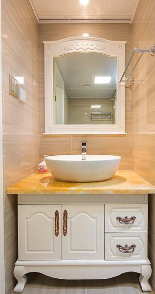 新古典美式混搭精致卫生间图片