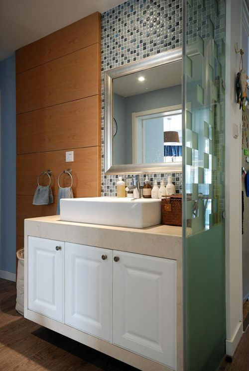 美式混搭卫生间设计方案