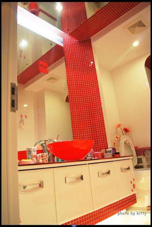 现代简约韩式混搭卫生间设计方案