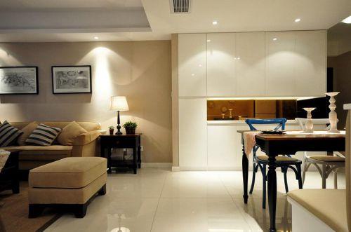 现代简约美式客厅装修案例