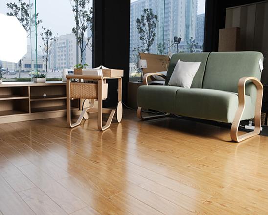 实木地板安装方法一:悬浮铺设法