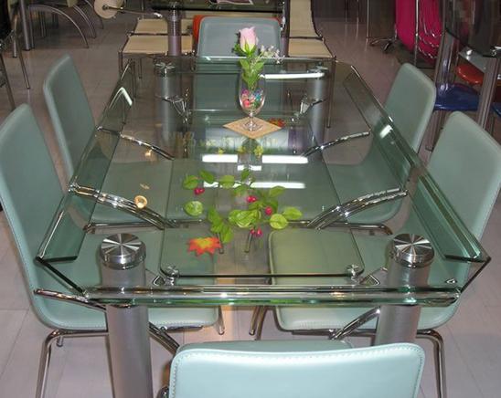 钢化玻璃价格是多少?钢化玻璃规格有哪些?