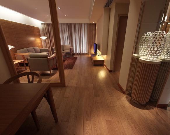 棕色家具搭配地板白色家具棕色地板图片1