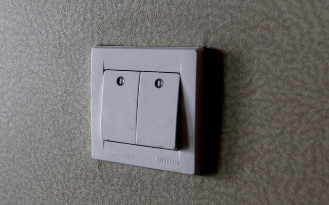 墙壁开关怎么接线?