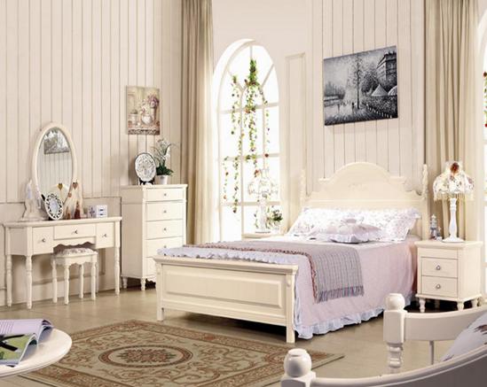 卧室 梳妆台摆放不好会影响到卧室的整体布局效果.