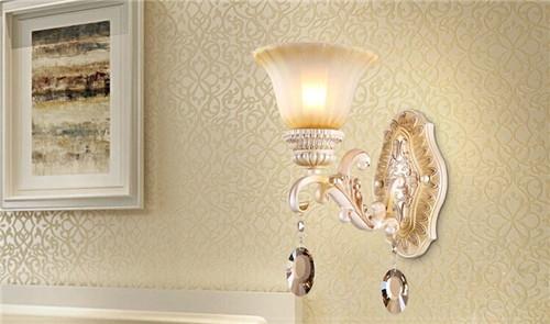 床头壁灯的安装风水须知图片