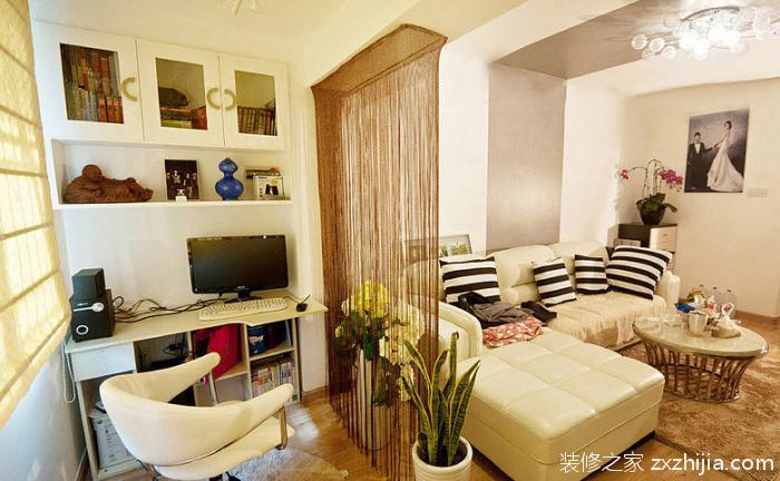客厅珠帘隔断设计