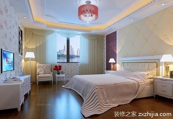 就如上面欧式卧室装修效果图中的展示,其在对卧室吊顶的宽度进行装修图片