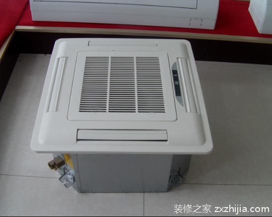 与中央空调比哪个更好? 卡式空调的制冷效果要比家庭空调好,并且可以调控温度,制造的冷风可以吹到几个房间内,所以办公场所安装卡式空调的比较多。中央空调虽然是制冷能力最强的,但是耗电多,卡式空调属于中央空调和家用空调中间的产品,一般不是特别大的办公场所比较倾向于安装卡式空调。卡式空调一般是由一台主机来带动几个末端空调几组进行工作的,这几个几组一般以嵌入式为主,安装工艺要比家庭空调的稍微麻烦一点,因此家用空调最好选择中央空调。 卡式空调起源于美国,最初主要用于商业,现在经过卡式空调的几代更新,卡式空调开始被应