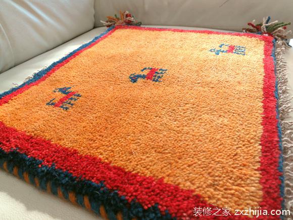 手工编织地毯:写意生活用心打造!