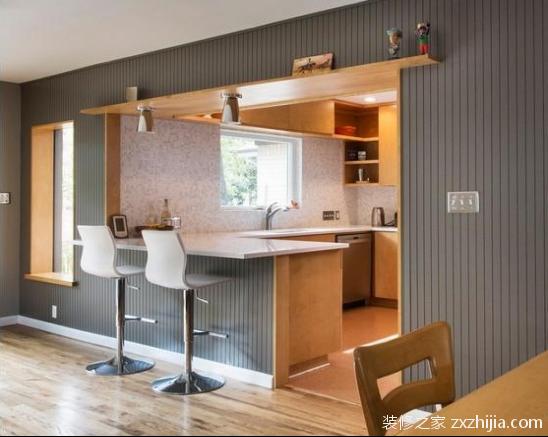 家庭吧台的设计比较灵活,如果空间较大,可以设计成一个独立的酒吧