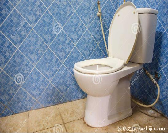 马桶不靠墙如何补救?