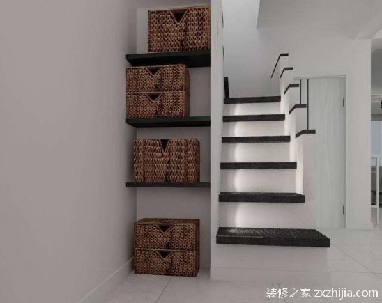 楼梯储物间