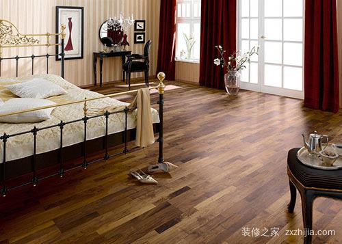 地板选择小贴士:实木地板的优缺点分析