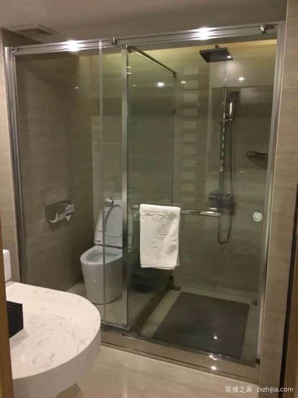 淋浴玻璃隔断