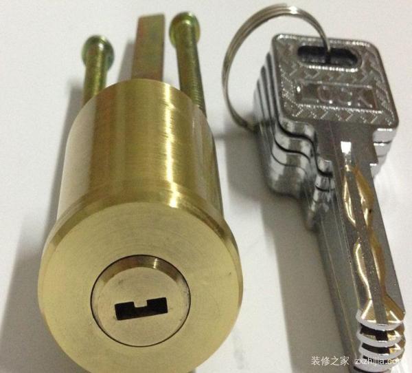 防盗门换锁芯多少钱