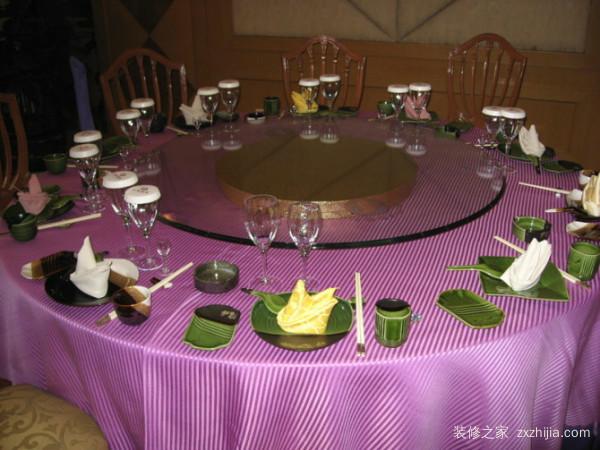 酒店餐桌餐椅