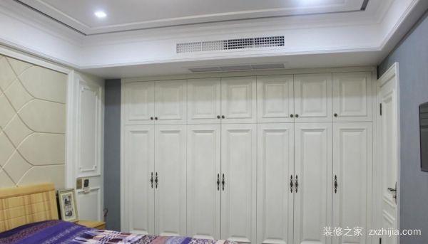 卧室白色衣柜