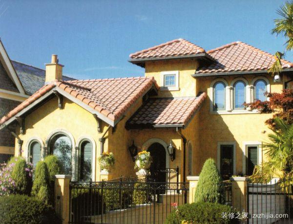 欧式别墅房顶设计成人字形屋顶.