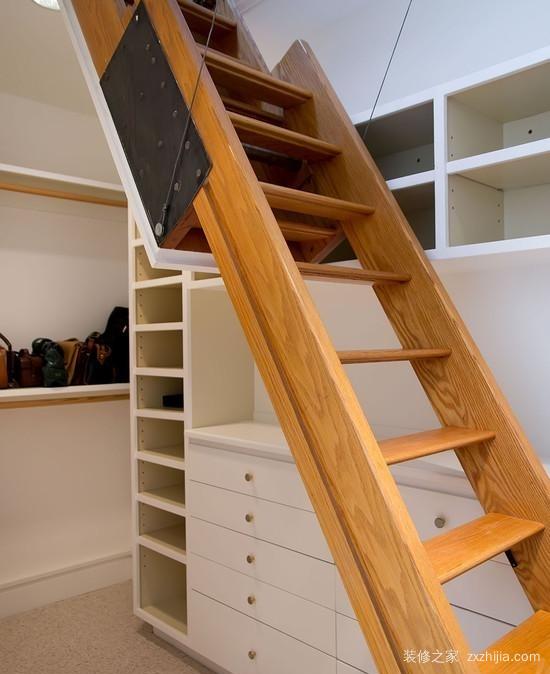 都会选择带阁楼的房子,因为有很多地方都是需要用到伸缩式的楼梯的