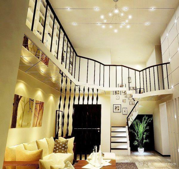 另外,由于复式楼室内的通道面积都要比普通户型大,台阶与楼梯的设计