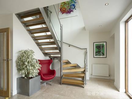 复式楼梯装修效果图赏析 复式楼楼梯的类型