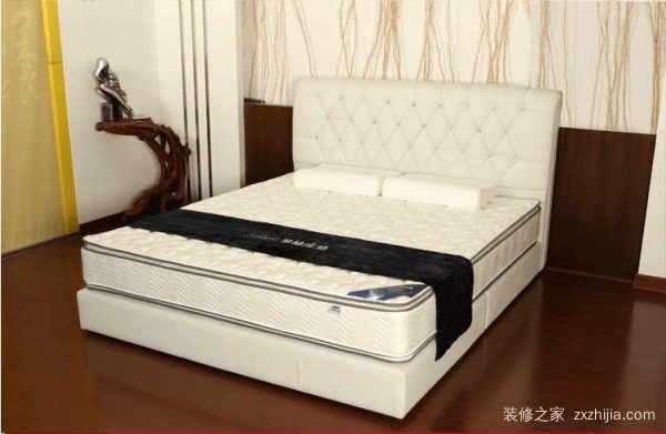 高箱床配多厚的床垫