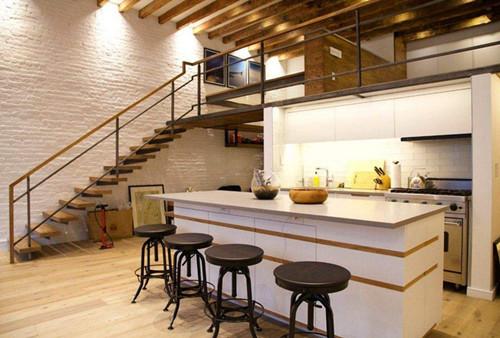 阁楼楼梯图片赏析 阁楼楼梯如何设计