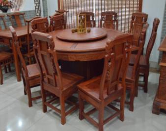 如何选购花梨木餐桌?花梨木餐桌价格是多少?