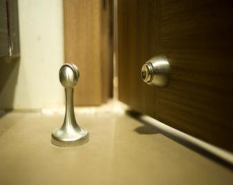 门吸是什么?门吸作用有哪些?门吸种类大全
