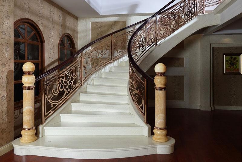 复式别墅楼梯设计 复式别墅楼梯装修技巧