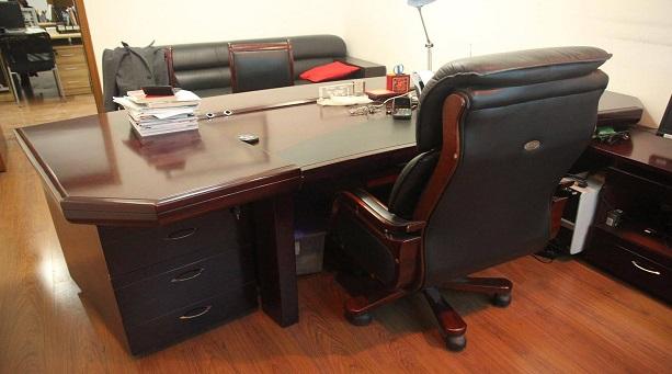 办公桌怎么摆放?办公桌摆放风水禁忌有哪些?