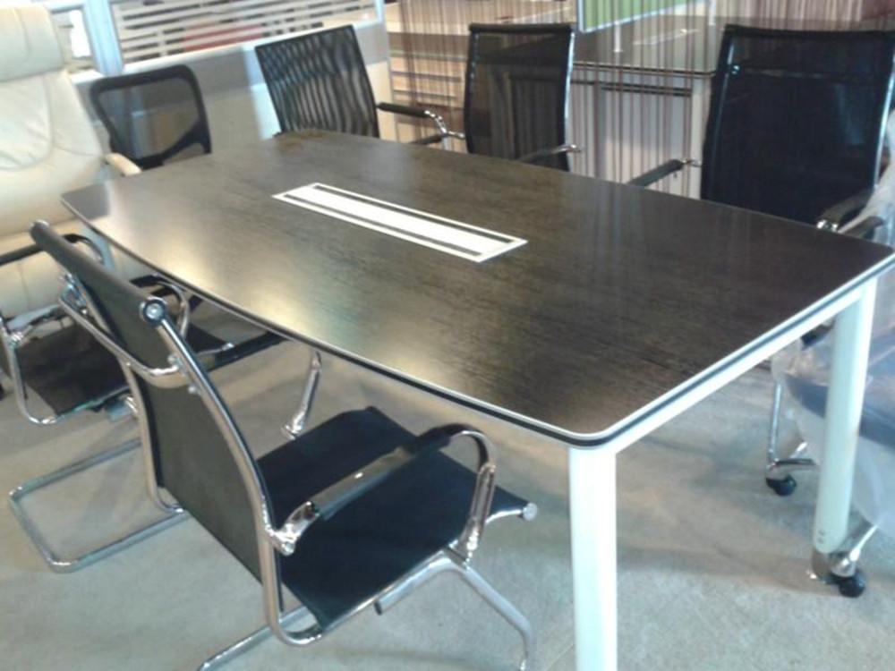 会议桌价格是多少?会议桌的选购技巧