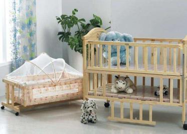 婴儿摇篮床的好处 婴儿摇篮床如何选购
