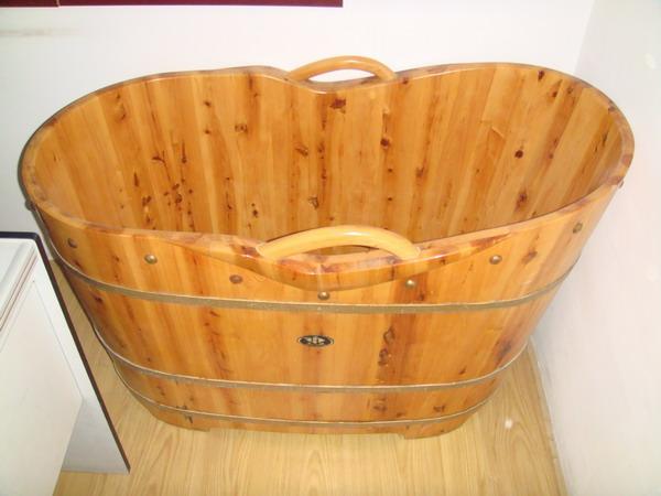 洗澡桶有哪些 ? 洗澡桶破了怎么修补