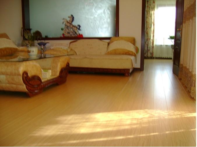 德尔地板怎么样?如何购买实木地板