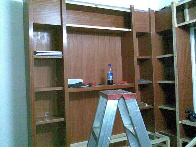 定做书柜有哪些优势 自制书柜要注意什么