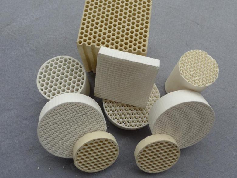 工业陶瓷厂家有哪些?工业陶瓷的种类