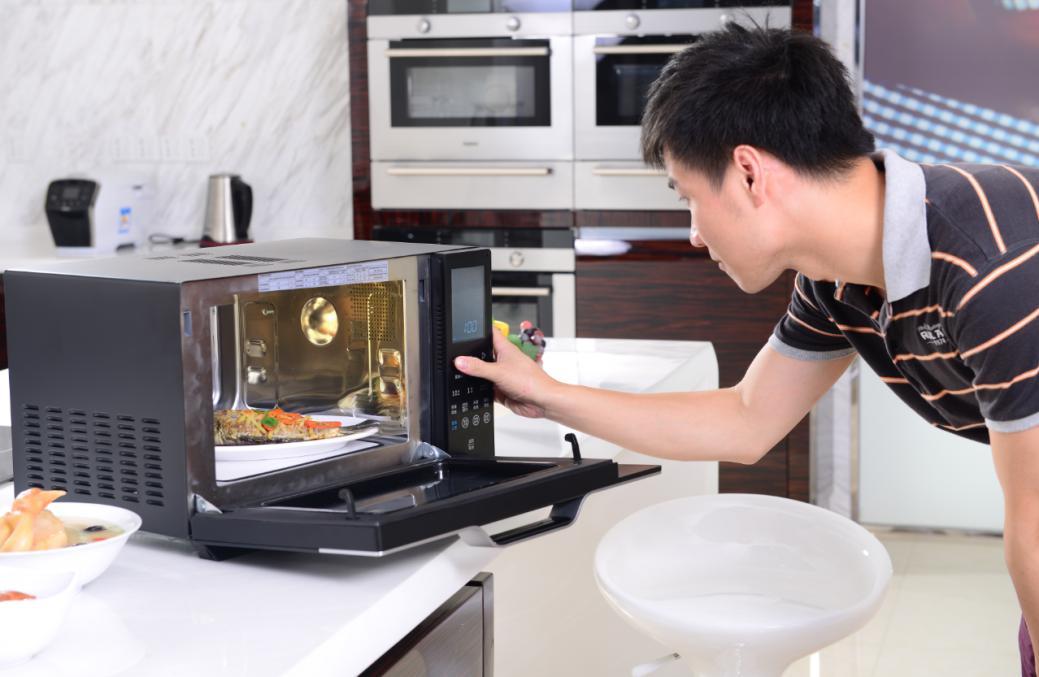 烤箱和微波炉的区别是什么?烤箱品牌有哪些?