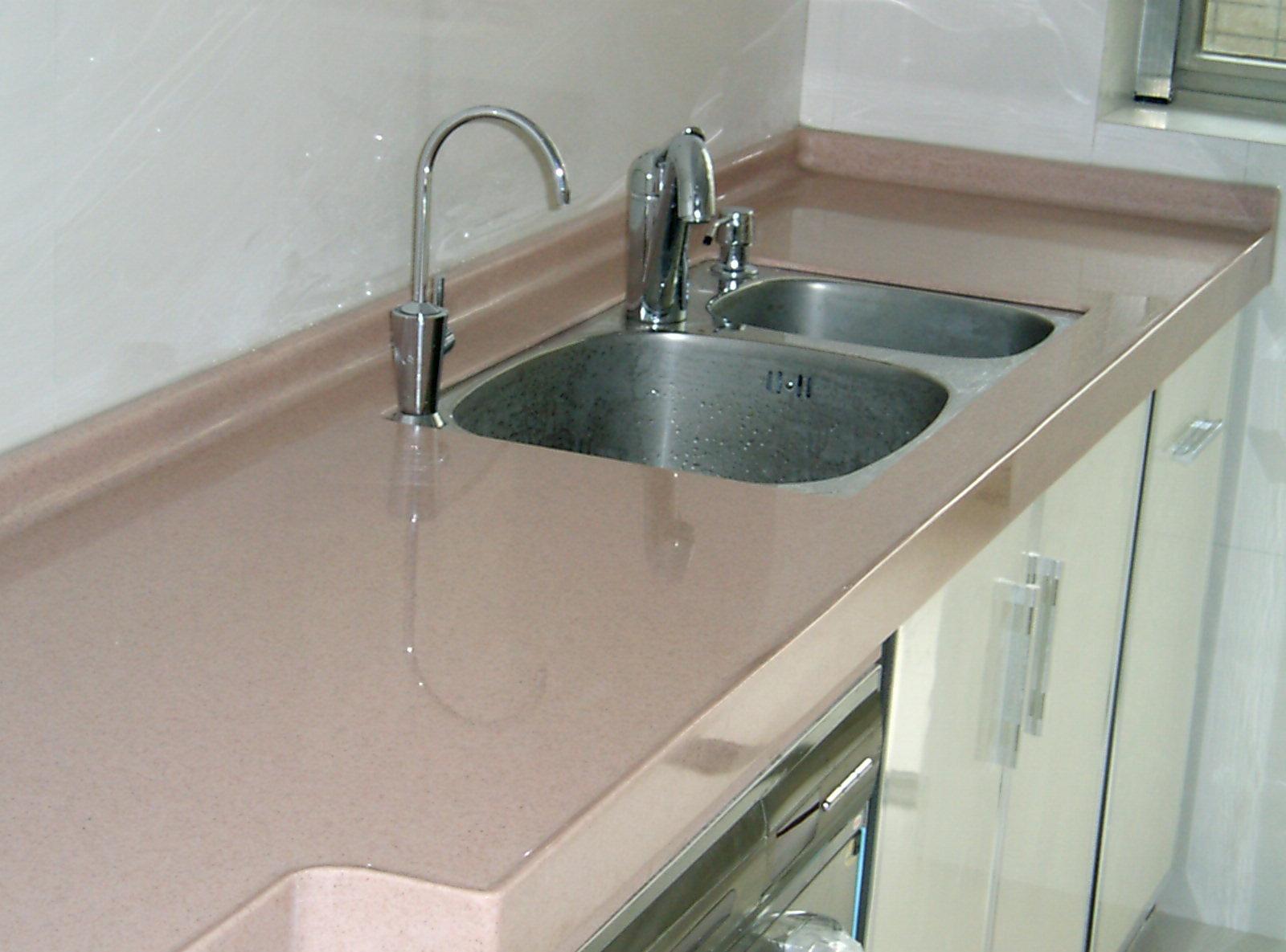 厨房台面宽度是多少  厨房台面高度多少合适